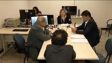Recesso judiciário suspende audiências de custódia em SP - Segundo CNJ, detidos têm que ser levados ao juiz em 24 horas.Com recesso, não há condições de manter audiências, diz desembargador.