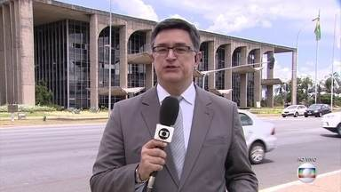 Ministro da Justiça e defensores públicos discutem o Plano de Segurança Nacional - Eles se reúnem para falar sobre o plano, anunciado na semana passada, e também sobre o pedido da liberação de presos no Amazonas para diminuir o problema da superlotação.