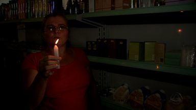 Queda de energia provoca prejuízo a moradores de Várzea Grande e Cuiabá - Queda de energia provoca prejuízo a moradores de Várzea Grande e Cuiabá.