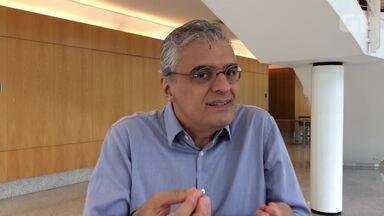Clínico geral Carlos Eduardo Pompilio comenta sobre 'doença da urina preta' - Sintomas têm atingido pessoas da região metropolitana de Salvador