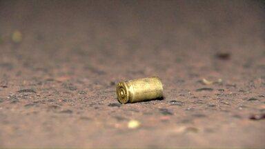 Jovem é morto a tiros no Portal da Foz - O crime foi ontem à noite, na Rua Mineirão.