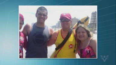 Mãe envia carta à guarda-vidas que salvou dois filhos - Incidente aconteceu no começo deste ano em praia de Mongaguá (SP). Guarda temporário é surfista e conseguiu salvar os dois ao mesmo tempo.