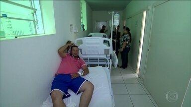 Leste de Minas tem 110 casos de suspeita de febre amarela - Já morreram 30 pessoas com suspeita da doença. Moradores procuram postos de saúde para se vacinarem.