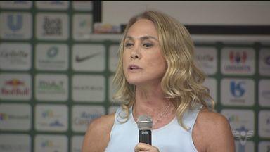 Hortência esteve no Instituto Neymar Jr., em Praia Grande - Ex-jogadora de basquete, Hortência foi passar toda a sua experiência no esporte para as crianças da cidade.