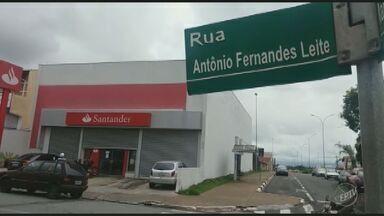 Quadrilha assalta banco em Hortolândia, SP e leva R$450 mil - Segundo Polícia Civil, quatro homens entraram armados na agência e anunciaram o assalto; ninguém se feriu durante a ação.