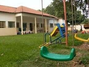 Prefeitura de Panorama continua limpeza em creche interditada - Caso ocorreu, pois duas crianças foram diagnosticadas com meningite viral.
