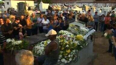 Corpo do engenheiro Nicanor Neto foi sepultado em Japaratuba - Corpo do engenheiro Nicanor Neto foi sepultado em Japaratuba.