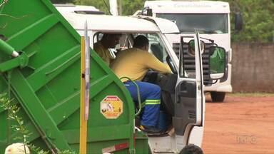 Fim da greve: funcionários da Kurica retomam a coleta do lixo em Londrina - O serviços voltou ao normal hoje. Os funcionários tinham entrado em greve por melhores condições no trabalho. Veja como fica a coleta no seu bairro.