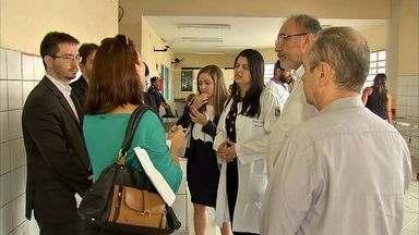 Defensoria Pública constata más condições de trabalho em hospital de Caucaia - Defensoria já havia feito vistorias semelhantes em hospitais de Fortaleza.