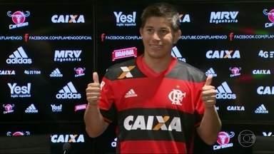 Flamengo e Botafogo estão confiantes em suas campanhas no Campeonato Carioca - O Flamengo começou a temporada recebendo os novatos, como Conca, que só deve jogar em maio. O Botafogo viajou para o Espírito Santo para se preparar para o Cariocão e a Libertadores.