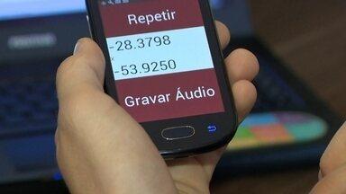 Aplicativo para cegos - Em Ijuí, no Rio Grande do Sul, um aluno do curso técnico de informática criou um aplicativo que avisa a localização dos pontos de ônibus da cidade para ajudar os deficientes visuais. O aplicativo agora está mapeando os pontos turisticos da cidade.