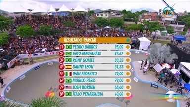 Pedro Barros supera Iago Magalhães na segunda volta e lidera o resultado parcial - Pedro Barros faz volta animal e lidera o resultado parcial do Mundial de Bowl Jam. Iago e Rony completam os três primeiros.