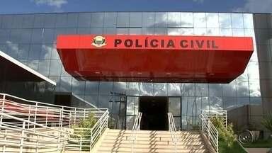 Polícia prende 3º suspeito envolvido no assassinato de comerciante em Fernandópolis - A polícia prendeu o terceiro suspeito de estar envolvido na morte de um comerciante em Fernandópolis (SP) na semana passada. De acordo com a polícia, o rapaz se entregou na última sexta-feira (3), mas negou a participação no crime.