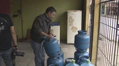 """Operação multa estabelecimentos por venda irregular de gás no AM - Irregularidades foram constatadas durante a operação """"Gás Seguro 1"""""""