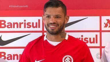 Atacante Carlos sonha alto e projeta fazer 22 gols no ano pelo Inter - Na carreira, jogador tem menos gols do que a meta.