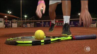 Piauiense de 16 anos é promessa no tênis e está prestes a treinar com técnico da seleção - Piauiense de 16 anos é promessa no tênis e está prestes a treinar com técnico da seleção