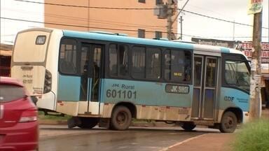 Empresa contrata escolta motoristas e cobradores de ônibus no Sol Nascente - Uma razão para se chegar a este situação é a disputa entre as empresas regulares e o transporte pirata.