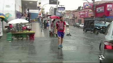 Chuva chega a Caruaru - Essa foi a primeira chuva de 2017 na Capital do Agreste