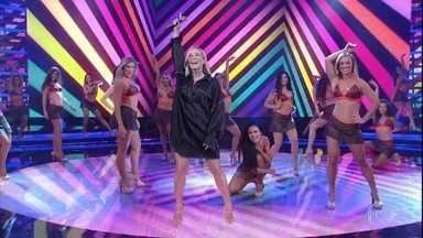 Claudia Leitte canta 'Extravasa' - A cantora ainda fala sobre sua carreira no palco do Domingão