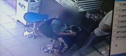 Adolescente de 13 anos participa de assalto a joalheria em cidade de SP - Menino foi apreendido quando voltava para casa de ônibus após o roubo à loja em Jaú.