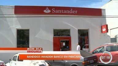 Quadrilha armada tenta assaltar banco em Piracaia - Crime aconteceu em agência no centro nesta terça-feira (14).