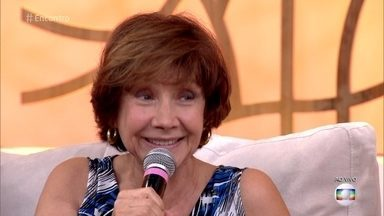 Ana Rosa coleciona recordes no teatro e na televisão - Atriz, que interpreta a Zuza de 'A Lei do Amor, é recordista no número de novelas gravadas e também participa de espetáculo teatral há vinte anos em cartaz