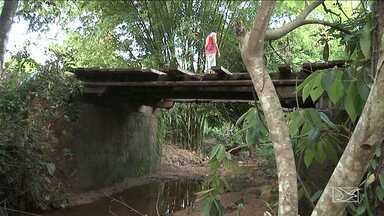 Aumenta preocupação com as pontes de madeira com a chegada das chuvas no MA - Em Caxias, a ponte do povoado Usina Velha, na zona rural, está com a estrutura comprometida representa um risco para motoristas e pedestres.