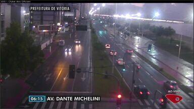 Confira as imagens do trânsito na Grande Vitória na manhã desta sexta-feira (17) - Câmeras mostram as principais vias da região metropolitana.