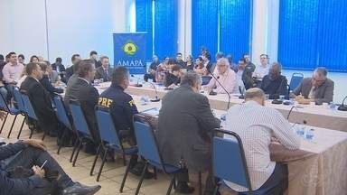 No Amapá, encontro debate tráfego na ponte binacional - Uma comissão mista de transporte vai discutir o trânsito de pessoas, veículos e cargas na ponte.