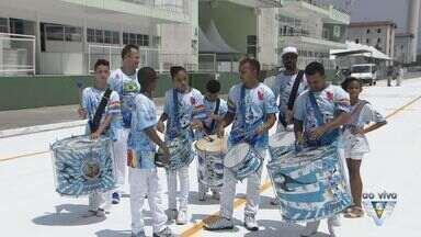 Desfiles das escolas de samba de Santos começam nesta sexta-feira - Escolas dos grupos de acesso e especial irão ocupar a avenida do samba.