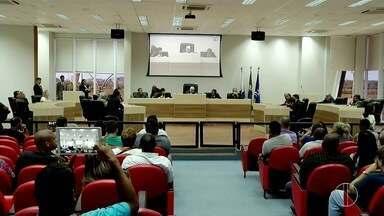 MP entra com ação na justiça para impedir repasse de dinheiro para batalhão de Macaé - Dinheiro municipal seria usado para pagar salários atrasados dos policiais.