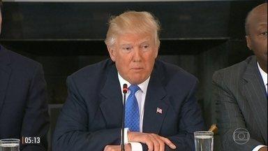 Donald Trump volta a falar da prisão de imigrantes - O presidente dos Estados Unidos falou sobre o assunto no dia em que dois representantes do governo americano estavam no México para tentar resolver a crise diplomática entre os países.