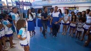 Hoje é dia de escola de samba: escola - Alexandre Henderson foi conhecer os projetos sociais da escola de samba Beija-Flor.