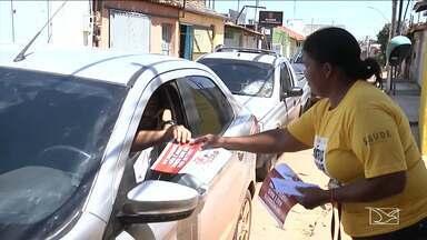 Agentes de Saúde realizam ações de prevenção nas ruas durante carnaval em Balsas - Agentes estão distribuindo aos foliões informativos sobre as doenças sexualmente transmissíveis e quais os modos de prevenção contra elas.