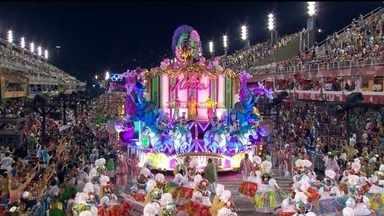 Saiba qual a origem do nome da Mangueira, campeão do carnaval do Rio em 2016 - O nome das escolas de samba sempre é motivo de curiosidade. Quem sabe a origem do nome da Mangueira?