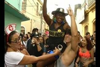 Os blocos de carnaval alegraram quem ficou em Belém durante o feriado prolongado - Sem desfile oficial das escolas de Samba, os blocos foram os responsáveis pela animação dos foliões em Belém
