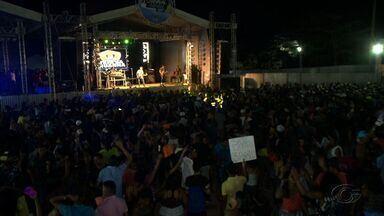 Veja como foi a festa de carnaval no Litoral Norte de Alagoas - Muitos aproveitaram os shows para dançar, enquanto pra outros o feriado só foi de descanso.