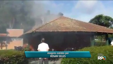 Lanchonete do Parque Bacacheri pega fogo - Duas pessoas ficaram feridas.