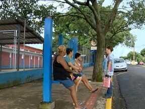 Prefeitura busca solução para problemas em pontos de ônibus - Situação afeta usuários do transporte coletivo, em Presidente Prudente.