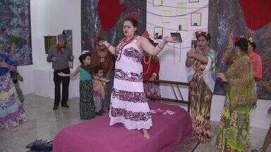 Exposição fotográfica faz homenagem a Frida Kahlo - Mostra está no Museu da Diversidade Sexual, em Praia Grande.