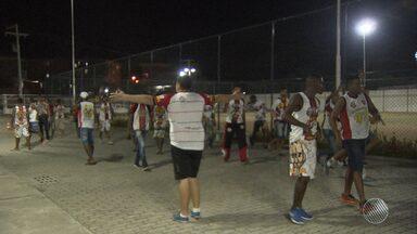 Torcidas organizadas 'Bamor', do Bahia, e 'Imbatíveis', do Vitória são punidas pela PM - A punição ocorreu por conta da briga envolvendo membros dos dois grupos, no ginásio de Cajazeiras.