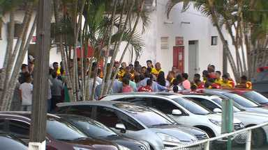 Técnico do Vitória recebe apoio do clube após reclamação da torcida - Confira as notícias do rubro-negro baiano.