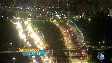 Veja imagens do trânsito na Avenida Paralela - Confira no Radar do BATV.