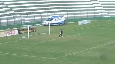 Com golaço de Mirray, Comercial goleia Catanduvense e entra no G-8 - Jaíro, Mirray, Tiago Moura e Naldinho fazem para o Bafo, que sobe posições e entra na zona de classificação às quartas de final da A3: 4 a 1.