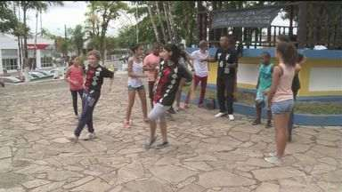 Grupo representa o Vale do Ribeira em festival de dança - Eles são de Sete Barras e fazem parte de um projeto social.