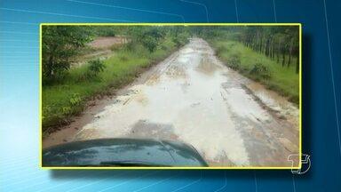 Moradores de comunidades em Monte Alegre reclamam das condições das estradas - Trechos estão cobertos de lama e atoleiros e atrapalha o fluxo de veículos.