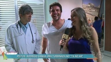 Confira os bastidores da pegadinha do 'Tá no Ar' com Rodrigo Lombardi - Ator se diverte em sua segunda participação no humorístico