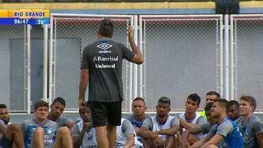 Na Venezuela, Grêmio faz primeiro e único treino antes da estreia - Time deve ser semelhante daquele que entrou em campo no Gre-Nal.