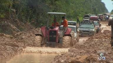 Ministro da Agricultura fala sobre condições da BR-319 - Atoleiros prejudicam a passagem de motoristas.