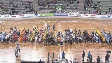Abertura da Copa TV Tribuna de Basquete Escolar acontece em Santos - Cerimônia e as primeiras partidas aconteceram na Arena Santos.
